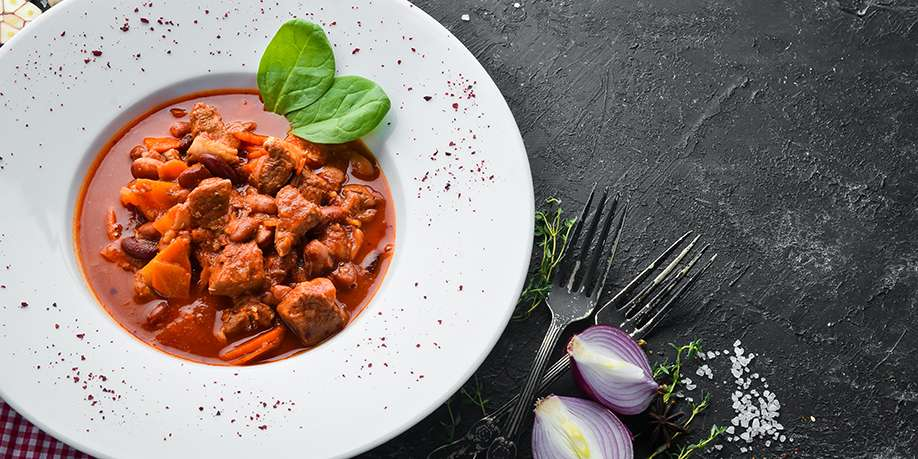 Beef with Beans in Tomato Sauce