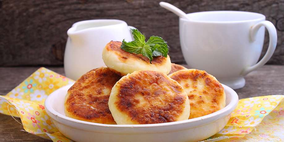 Cheese Pancakes with Tomatoes