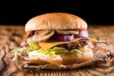 Cheeseburger with Sautéed Mushrooms