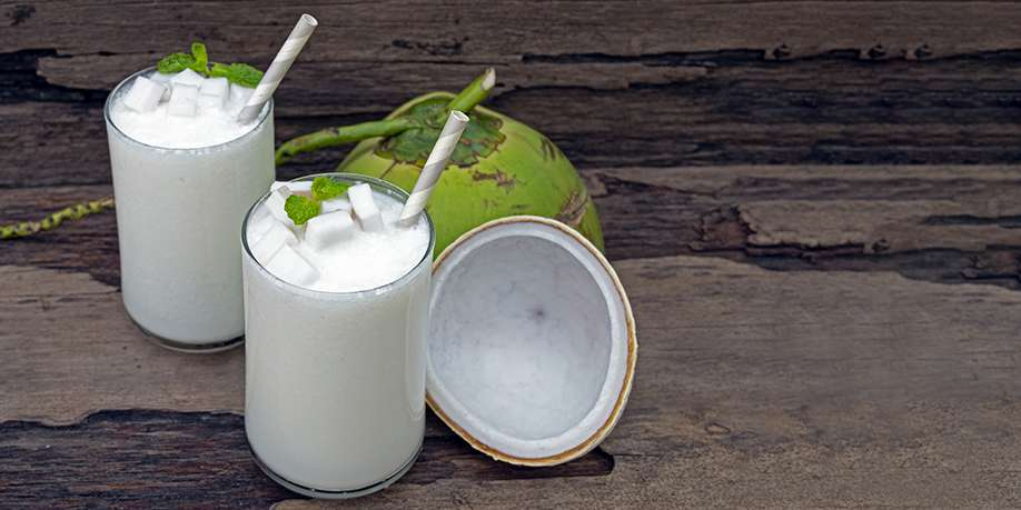 Coconut Smoothie with Marshmallow