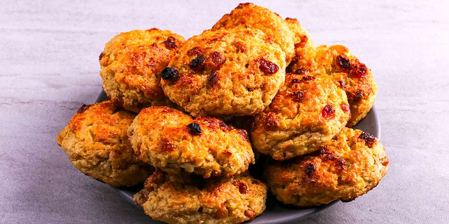 Cottage Cheese and Oatmeal Cookies with Raisins