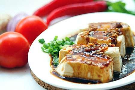 Crispy Tofu in Lemon Sauce with Onions