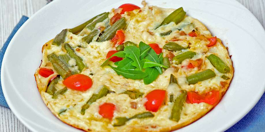 Egg Whites Omelet with Green Beans, Tomatoes, and Onions