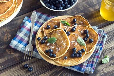 Oatmeal Pancakes with Blueberries