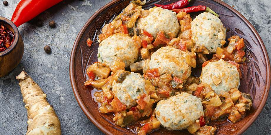 Steamed Chicken Meatballs with Jerusalem Artichoke in Vegetable Sauce