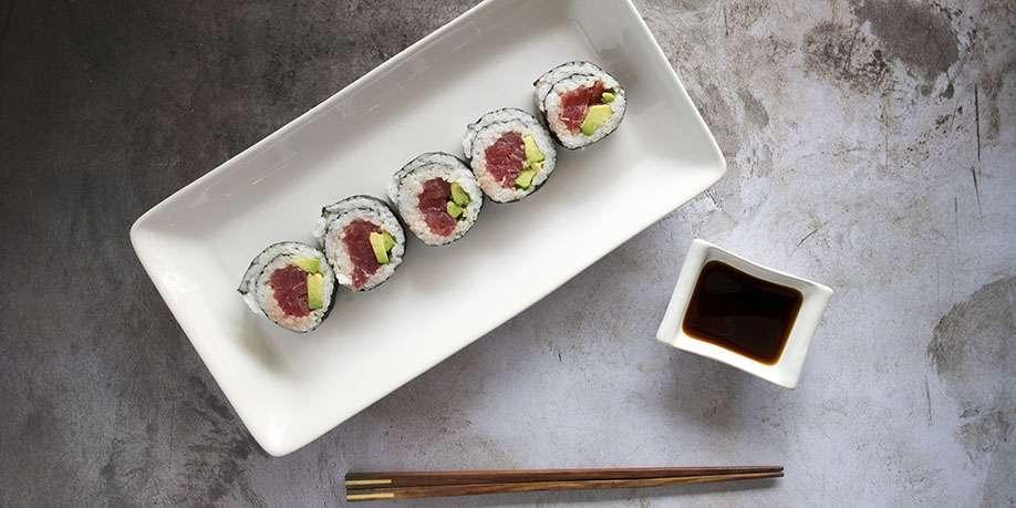 Tuna Sushi Roll with Cauliflower Rice