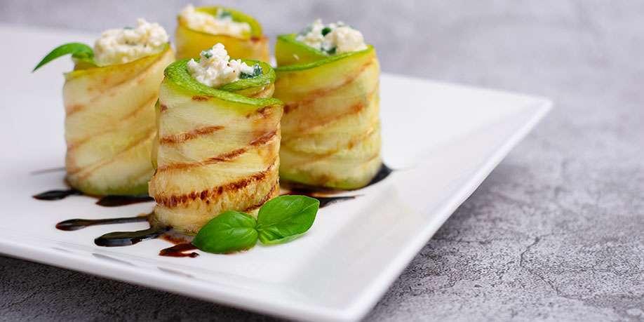 Zucchini Sushi Roll with Salmon